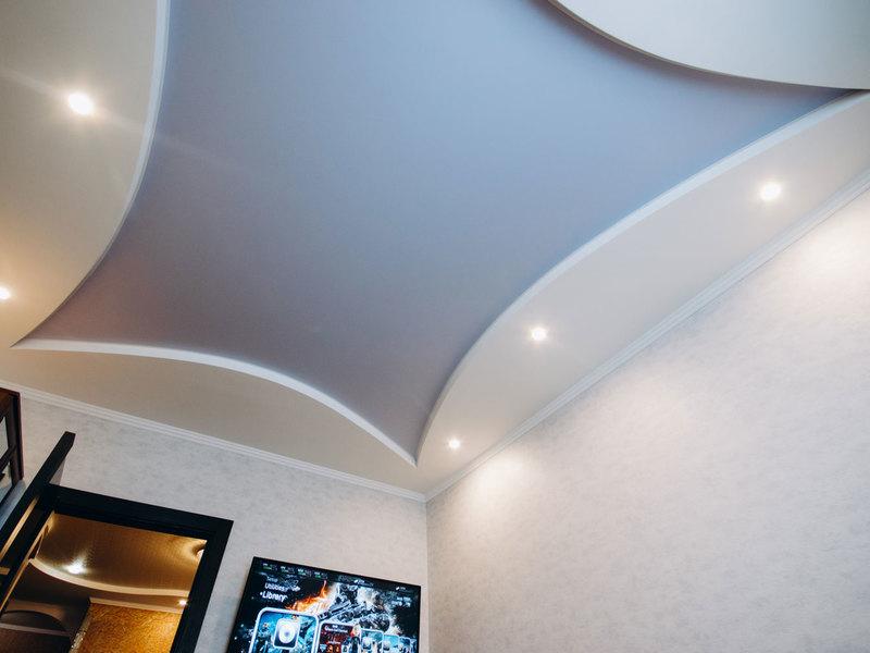 Сатиновые натяжные потолки двухуровневые фото