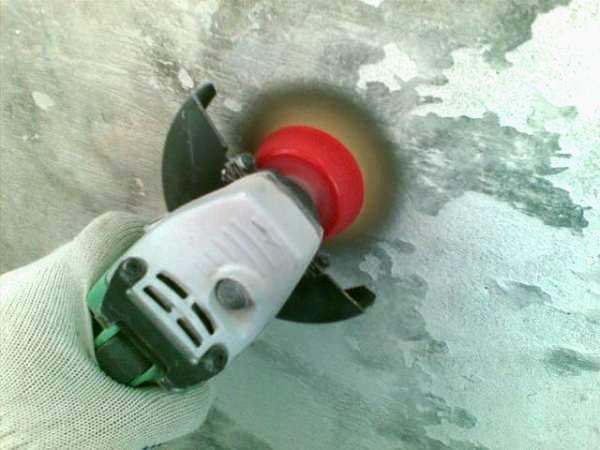 как удалить водоэмульсионную краску с потолка фото 2