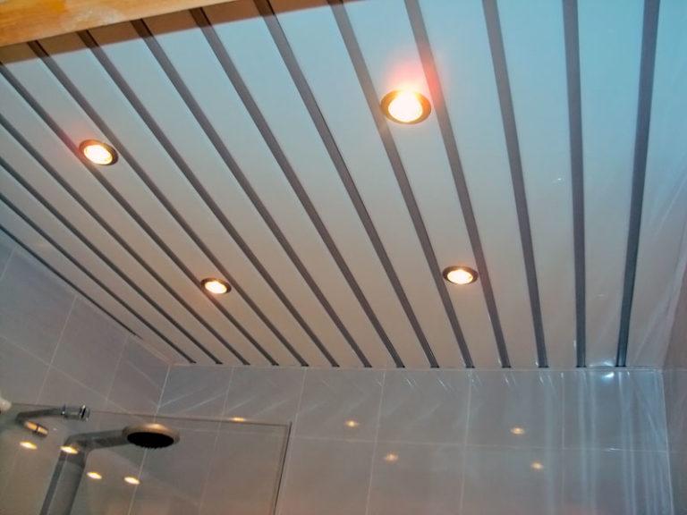 Подвесной реечный потолок цвета