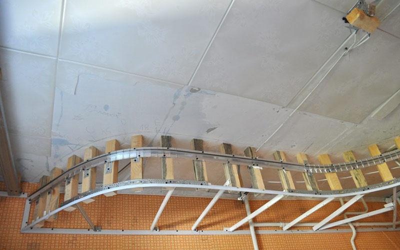 двухуровневые натяжные потолки фото 9