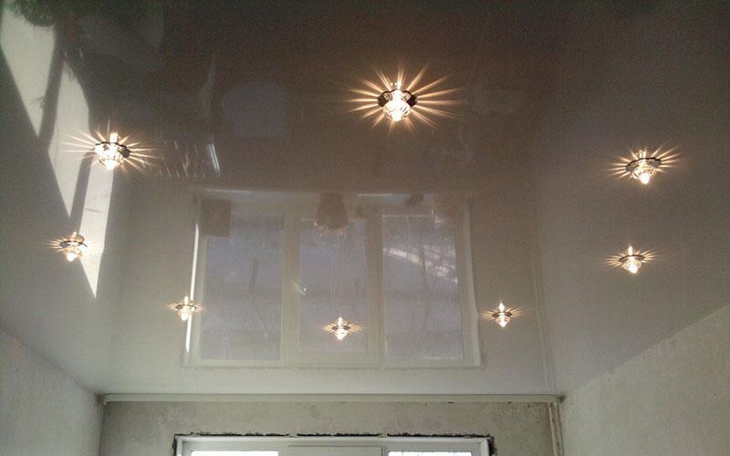 Глянцевые натяжные потолки фото 5