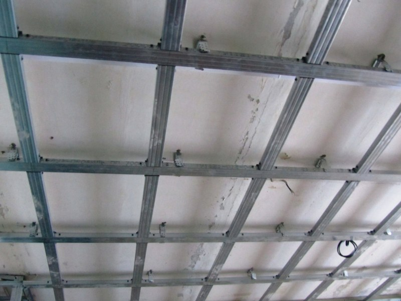 Двухуровневые потолки их гипсократона фото 6