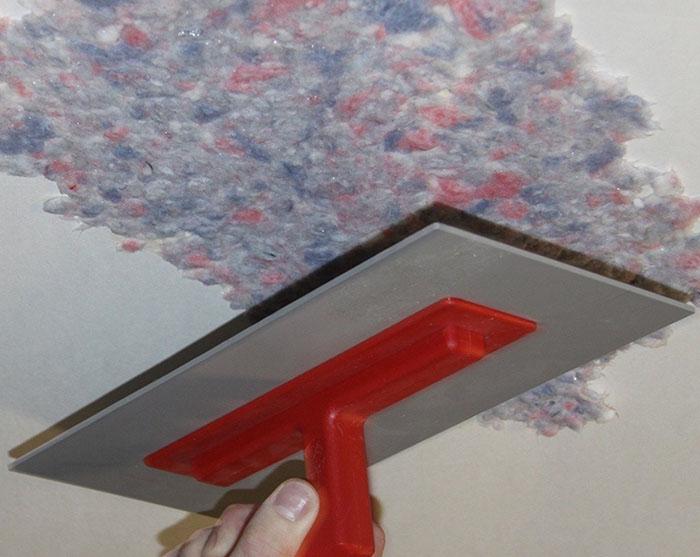 Как клеить обои на потолок фото 9